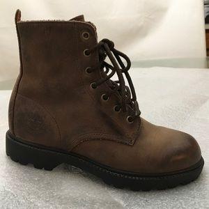 Women's timberlands hiking boot
